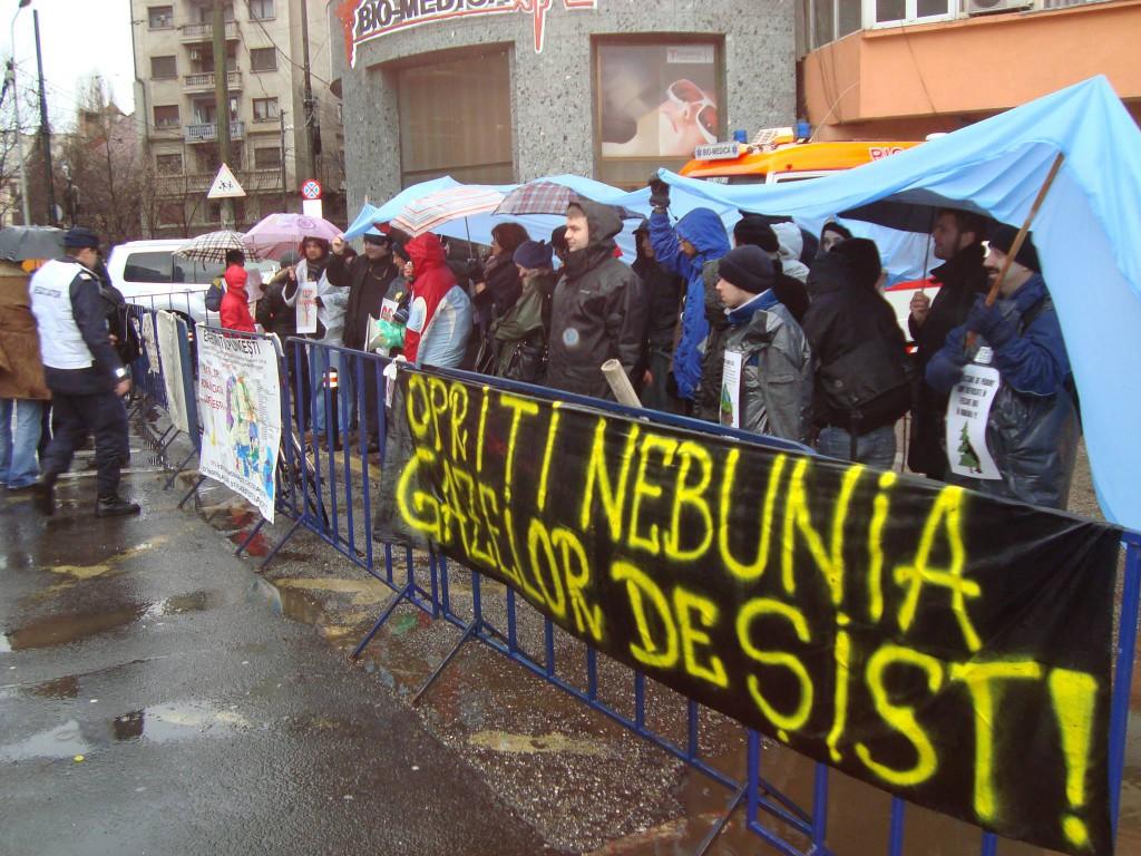 Protest anti-frack la Reprezentanta Comisiei Europene la Bucuresti. 21.01.2014