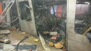 Prima imagine cu metroul care a explodat in prima statie, din Bruxelles.