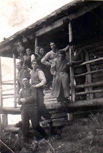 Grupul-Ion-Gavrila-Ogoranu-la-Cabana-din-Fagaras-CNSAS-via-Marturisitorii.Ro_