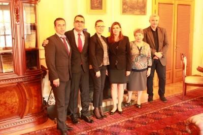 E.S. Dna. Oana-Cristina Popa a avut o întrevedere cu delegaţia Companiei Naţionale Administraţia Porturilor Maritime Constanţa SA, sosită la Belgrad pentru aniversarea, la 22 septembrie, a 10 ani de reprezentare în Republica Serbia şi a 120 de ani de existenţă a portului Constanţa.